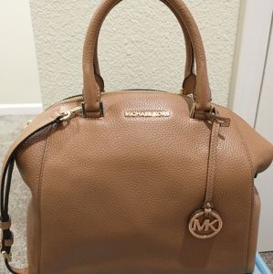 Micheal Kors Riley satchel